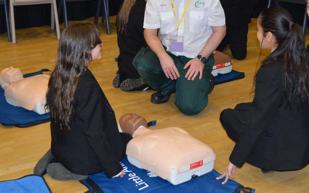 Tong pupils learn how to Restart a Heart