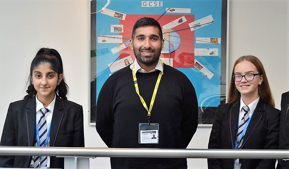 Tong Pupils Pitch TV Ideas to Gogglebox Star